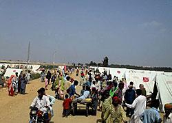 ハイデラバード近くで救世軍のテントが用いられている