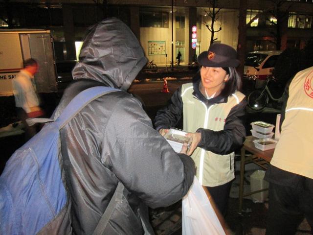 2013年度街頭生活者支援