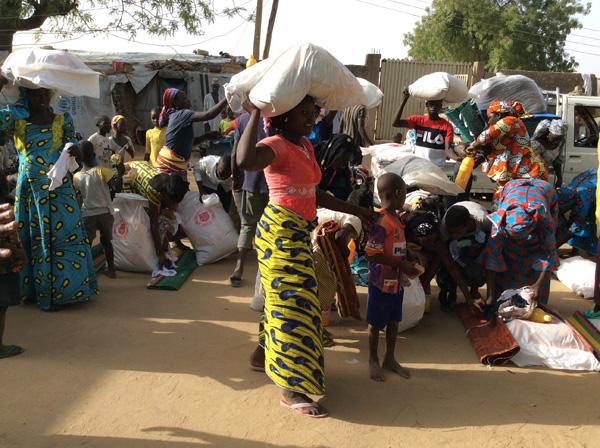 紛争の影響下にある人々への食糧支援